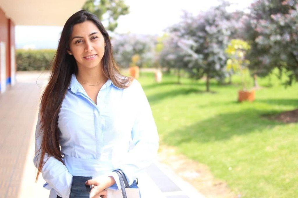 professeur d'espagnol natif - Lina Enriquez